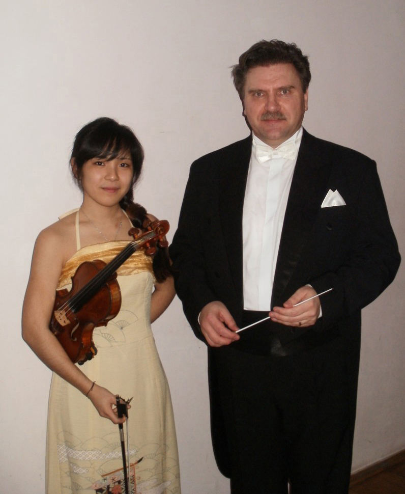 Ayako Tanabe-Violin (Student at the Moscow State Conservatory with Prof. S.Kravchenko), Roman Moiseyev-conductor